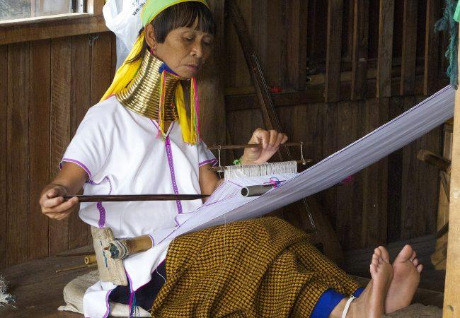 BIRMANIA, Padaung, donne giraffa